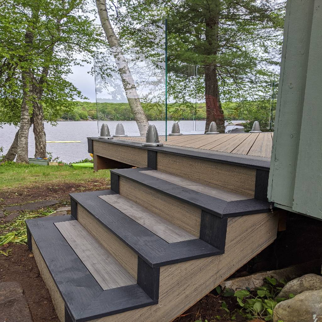 Simcoe-Deck-stairs-muskoda-cottage